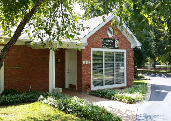 Cosmetic Dentistry of Murfreesboro TN dental office entrance